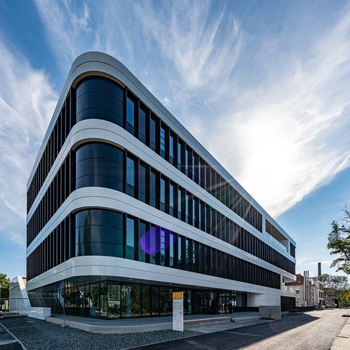 Science, research and treatment under one roof: The new National Centre for Tumor Diseases Dresden (NCT/UCC)